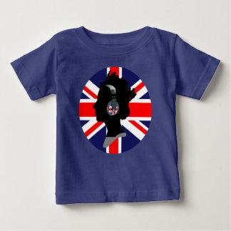 ヘッドホーン(イギリスの旗のデザイン)を持つ女王 ベビーTシャツ