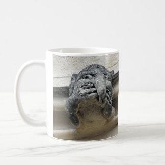 ヘッド手のガーゴイルのマグ コーヒーマグカップ