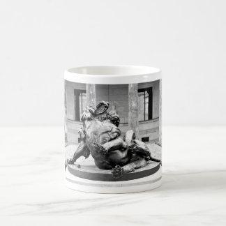 ヘラクレスおよびネメアの獅子 コーヒーマグカップ
