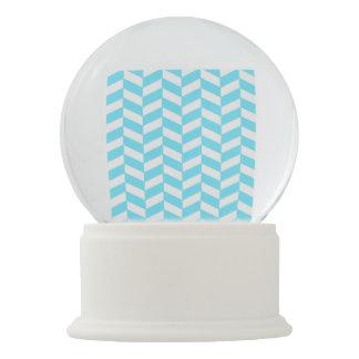 ヘリンボン白く明るく青い夏のモダンなパターン スノーグローブ