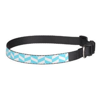ヘリンボン白く明るく青い夏のモダンなパターン ペット首輪
