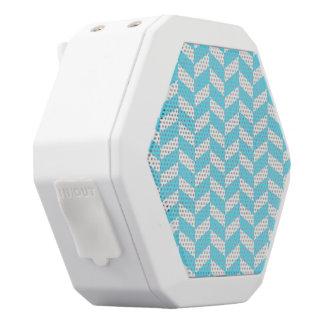 ヘリンボン白く明るく青い夏のモダンなパターン ホワイトBluetoothスピーカー