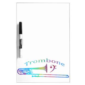 ヘ音記号が付いているトロンボーン ホワイトボード