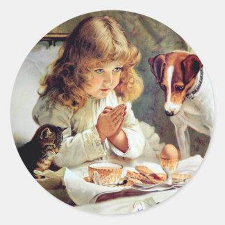 ベッドの朝食: 女の子、テリアおよび子猫猫 ラウンドシール