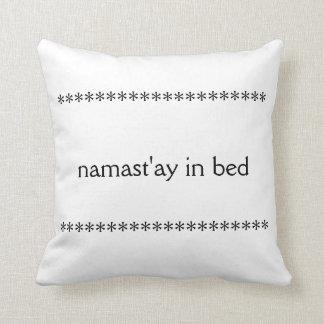 ベッド枕のNamast'ay クッション