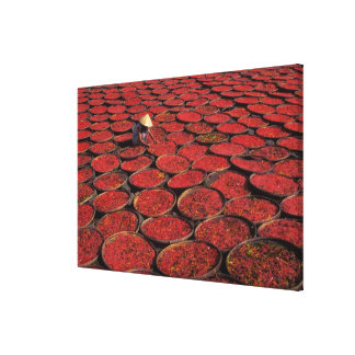 ベトナム。 の下のバスケットのキャンデーの乾燥 キャンバスプリント