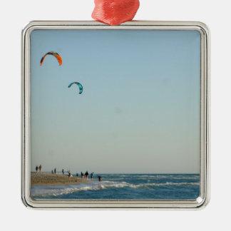 ベニスのビーチ凧のサーファー メタルオーナメント