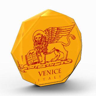 ベニスの紋章付き外衣 表彰盾