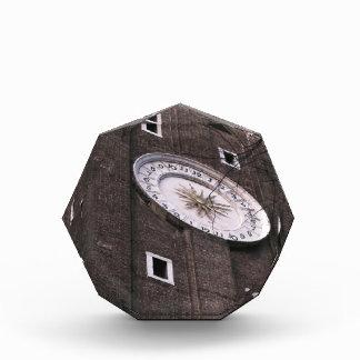 ベニスのSanti Apostoli教会の時計台 表彰盾