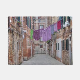 ベニスイタリアのClotheslines ドアマット