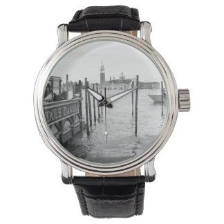 ベニス市の白黒ゴンドラ 腕時計