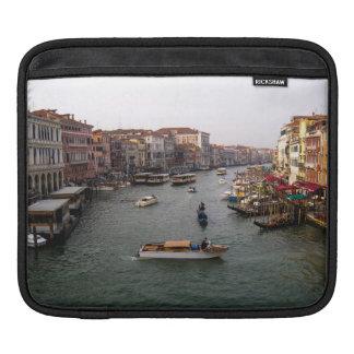 ベニス運河、イタリア iPadスリーブ