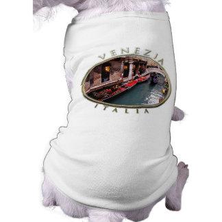 ベニス風運河のゴンドラ ペット服