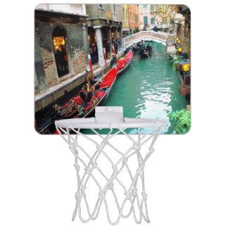 ベニス風運河のゴンドラ ミニバスケットボールゴール