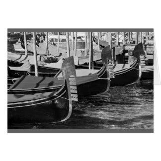 ベニス、イタリアのゴンドラの白黒イメージ カード