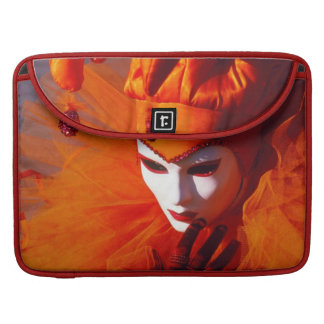 ベニス、イタリア (IT)-オレンジカーニバルの衣裳 MacBook PROスリーブ