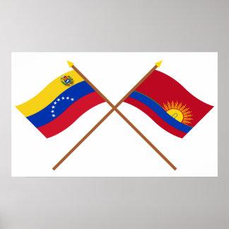 ベネズエラおよびCaraboboの交差させた旗 ポスター