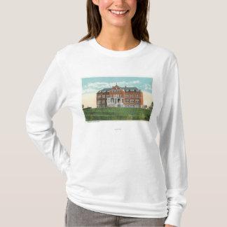 ベネディクト会のSanitariumの外観 Tシャツ