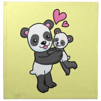 ベビーくまを抱き締めているパンダくま ナプキンクロス