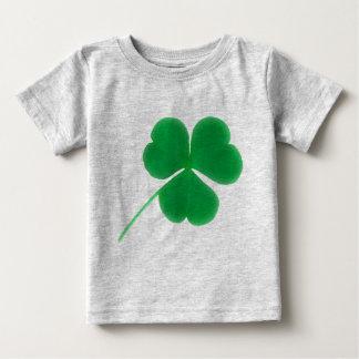 ベビーのアイルランドの緑のクローバーのためのセントパトリックの日 ベビーTシャツ