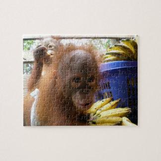 ベビーのオランウータンのバナナの侵略 ジグソーパズル