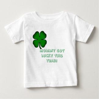 ベビーのシャムロックのワイシャツ ベビーTシャツ