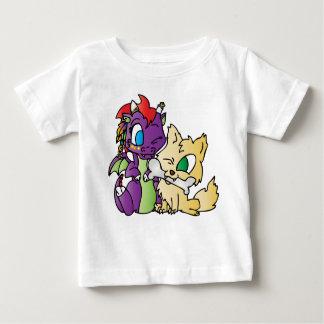 ベビーのドラゴンおよびオオカミ ベビーTシャツ