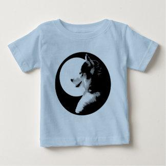 ベビーのハスキーなワイシャツのそり犬のベビーのTシャツ ベビーTシャツ