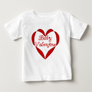 ベビーのバレンタインの赤いハート ベビーTシャツ
