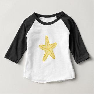 ベビーのヒトデの黄色のための星のデザイン ベビーTシャツ