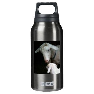 ベビーのヤギを持つお母さん 断熱ウォーターボトル