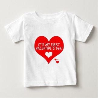 ベビーの最初バレンタインデー ベビーTシャツ