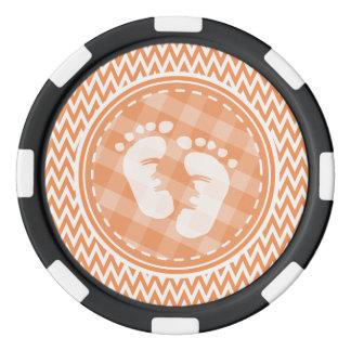 ベビーの足; オレンジおよび白いシェブロン ポーカーチップ