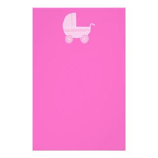 ベビーカー。 淡いピンクおよび明るいピンク チラシ