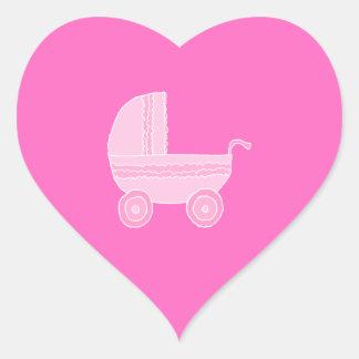 ベビーカー。 淡いピンクおよび明るいピンク ハートシール
