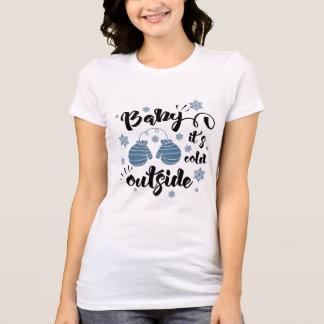 ベビー冷たい外側のかわいいミトンの冬 Tシャツ