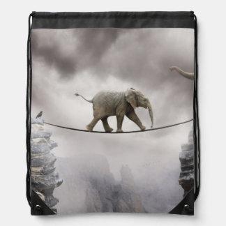 ベビー象の歩行綱渡り ナップサック