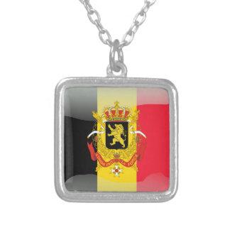 ベルギーの光沢のある旗 シルバープレートネックレス