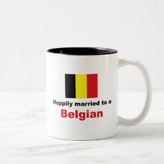 ベルギー人に幸福に結婚した ツートーンマグカップ