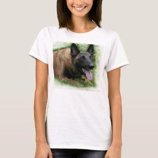 ベルギー人のMalinoisの女性Tシャツ Tシャツ