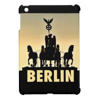 ベルリンのQuadriga 002.1.2のブランデンブルク門 iPad Mini Case