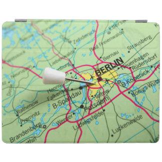 ベルリン、ドイツに地図に置かれるPin iPadスマートカバー