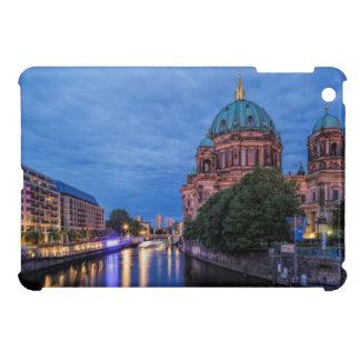 ベルリン、川の酒宴およびカテドラル iPad MINIケース