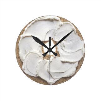 ベーゲルそしてクリームチーズのノベルティ ラウンド壁時計