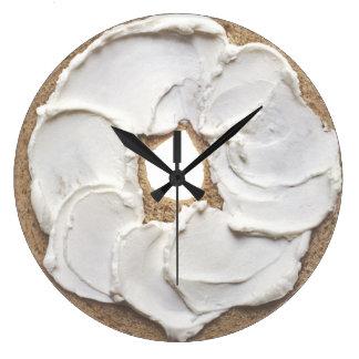 ベーゲルそしてクリームチーズのノベルティ ラージ壁時計