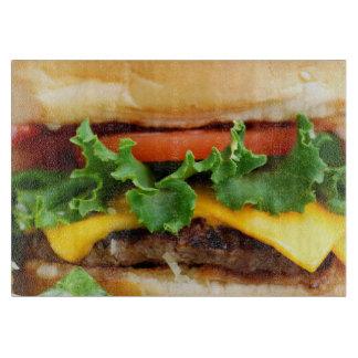 ベーコンのチーズバーガー カッティングボード