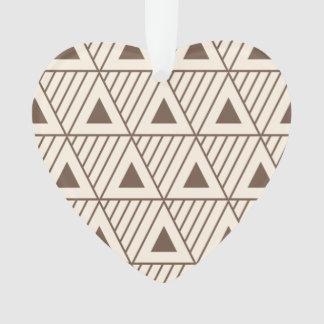 ベージュおよび茶色の三角形 オーナメント