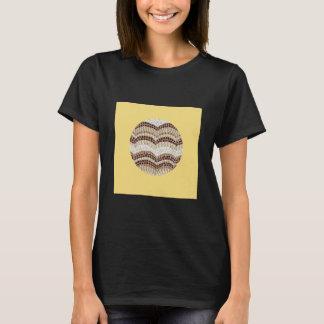 ベージュモザイク女性の基本的なTシャツ Tシャツ
