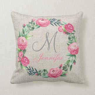 ベージュリネンピンクのバラおよび水彩画の葉 クッション