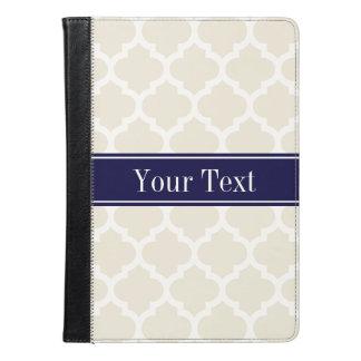 ベージュ白いモトッコ人#5の濃紺の名前のモノグラム iPad AIRケース